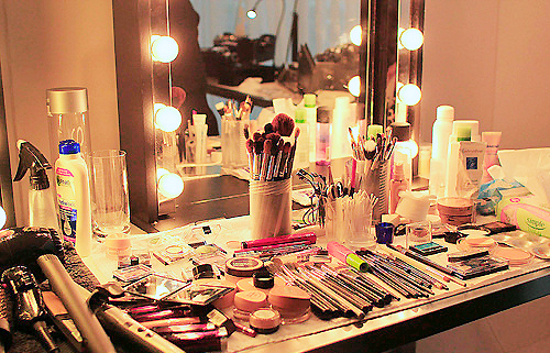 Make Up table image 1.png