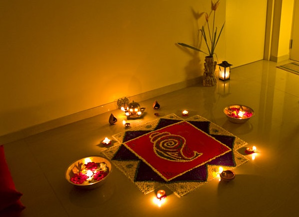 800px-Rangoli_of_Lights Gudi Padwa 1 - Copy cropped.jpg